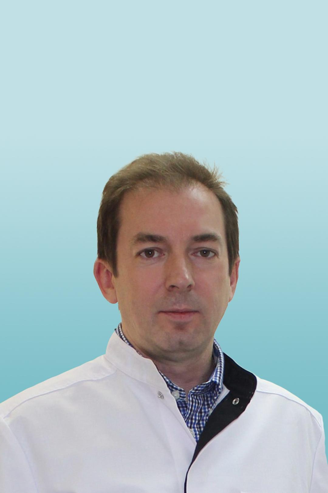 Онколог-маммолог, пластический хирург Братик Александр Владимирович