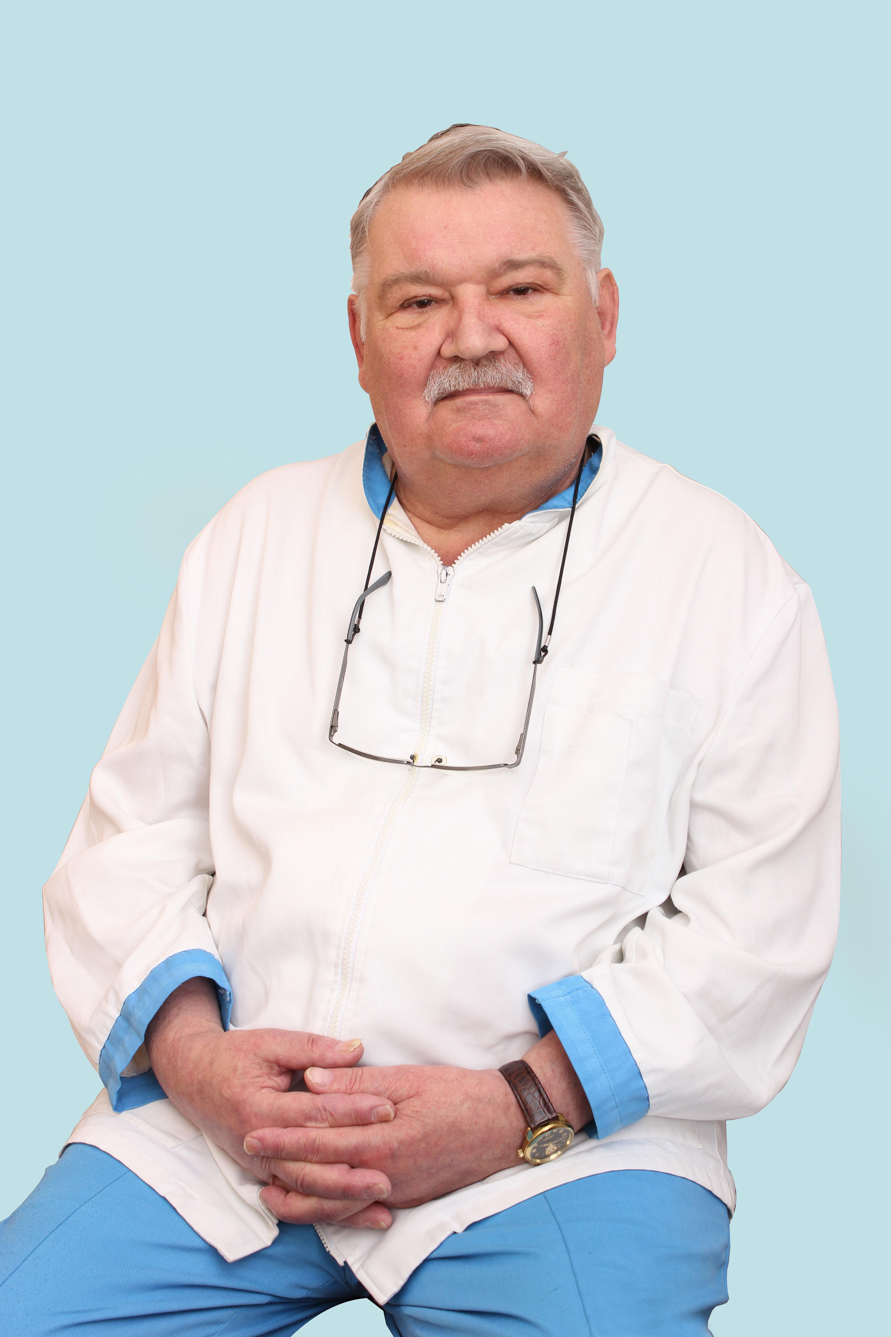 Врач-рефлексотерапевт Ручкин Игорь Николаевич
